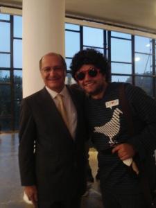 não , não eu não voto no PSDB, nem mas ele pediu né pra tirar a foto , nao sou mau educado kkkk