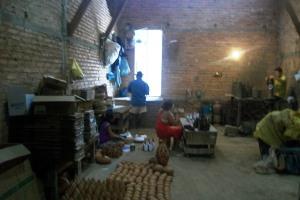 cada artesão tem um barracão para criar suas artes